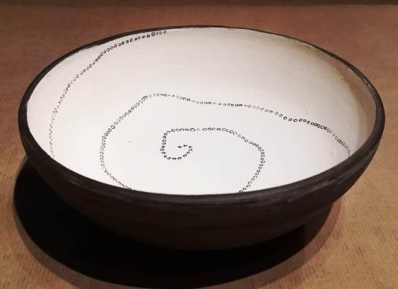 plat, faïence, 10x25 cm
